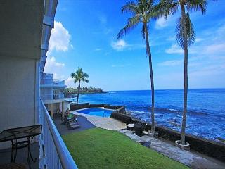 KMS209  DIRECT OCEANFRONT, 2nd floor, GORGEOUS! - Kailua-Kona vacation rentals