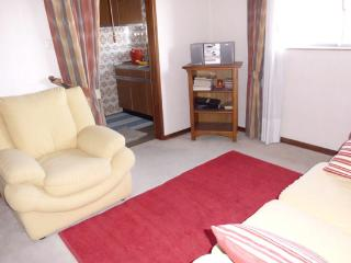 Apartamento T1 quarto/sala, melhor local Coimbra - Coimbra vacation rentals