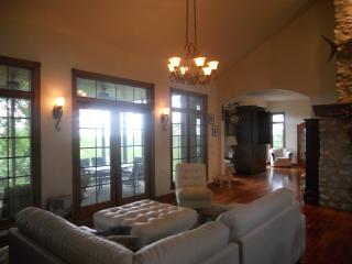 Midwest. Quincy IL Luxury Home Mississippi River - Illinois vacation rentals