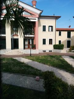 Beautiful apartment  five beds 10 km from Venice - Mira vacation rentals