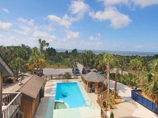 Gulf View, Spacious & unique, 2 Kings, Pool, Pet Friendly, 8/29 $1700/wk - Port Saint Joe vacation rentals