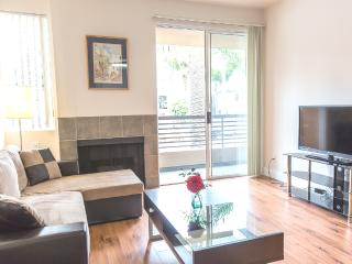 LUXURY 2+2+Private Patio+2 Parking+Great Location - Los Angeles vacation rentals