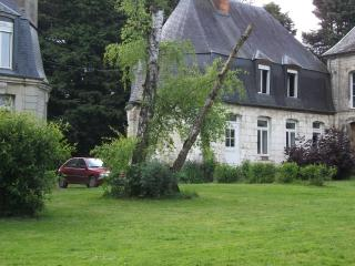 Gites de Clairfaye, abbaye - Acheux-en-Amienois vacation rentals