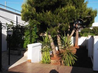 Villino indipendente con giardino privato - Porto Cesareo vacation rentals