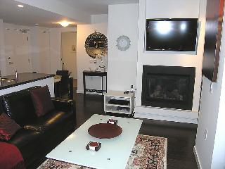 Lonsdale Boutique Style Apartment - Vancouver Coast vacation rentals