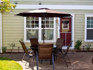 437 Lori Lane Cottage - Ashland vacation rentals