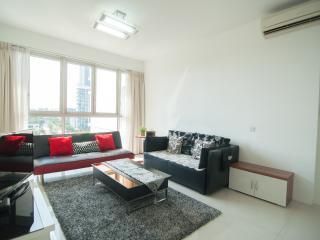 CLASSIC 2BRM/2MIN TO MRT+SEA VIEW ! - Singapore vacation rentals