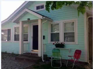One BR Cottage at Pinehurst Beach, Wareham - Wareham vacation rentals