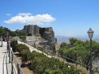 Casavacanze Il Cortiletto - Erice vacation rentals