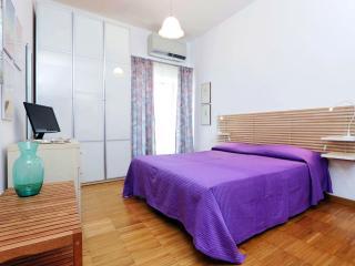 Romantic studio in Trastevere heart - Jubilee too - Rome vacation rentals