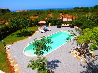 SPECIAL OFFER: 1 to 8 August, 7 nts=1700 E ALL IN - San Vito lo Capo vacation rentals