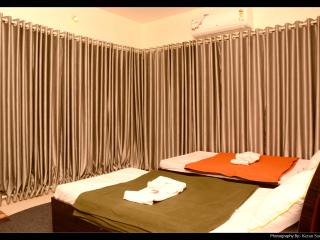 Service apartment in Borivali east near Metro mall - Mumbai (Bombay) vacation rentals