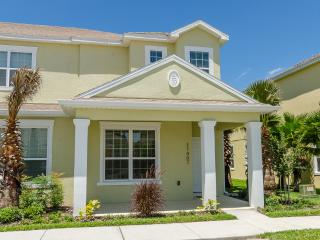 Amazing new Townhome with splash pool close Disney - Yalaha vacation rentals