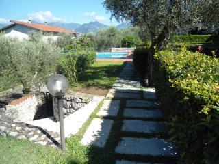 Appartamenti Albatros - appartamento n.1 - Assenza di Brenzone vacation rentals