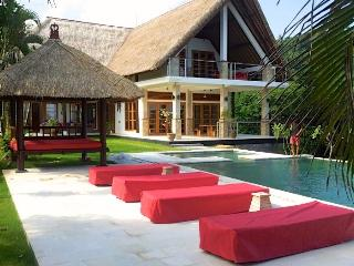 Villa Sianti: new luxury villa with amazing views! - Temukus vacation rentals