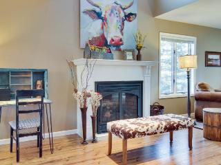 Western-chic, pet-friendly condo near golf & hot springs! - Pagosa Springs vacation rentals