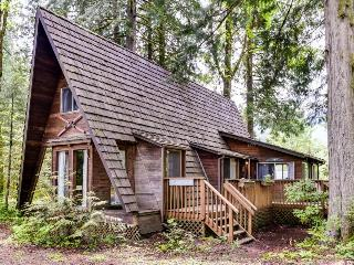 Charming A-frame right near golf, close to Mt. Hood skiing! - Welches vacation rentals