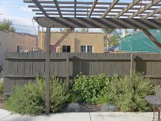 Cozy pet-friendly studio in walkable Eagle Rock - Los Angeles vacation rentals