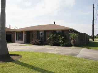 Cozy, spacious, comfy house in quiet neighborhood - New Orleans vacation rentals