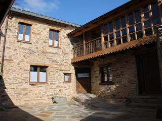 Casa Rural Valle del Duerna - Leon vacation rentals