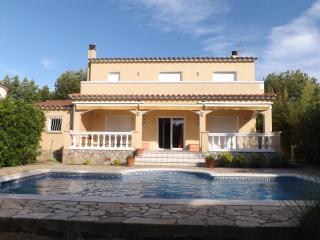 -- Casa Fimada - Villa de Luxe - Amarre 17M Canal - Empuriabrava vacation rentals
