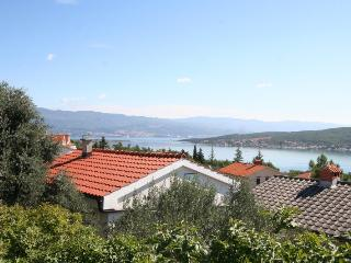 APARTMANI JULIA(2512-6409) - Cizici vacation rentals