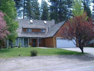 Sleeps 14+, 4 BR Chalet-Lake,Casinos,Tahoe's best - South Lake Tahoe vacation rentals