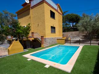 Superb Airesol C villa for 8-9 guests with a private, secure pool and gorgeous mountain views - Castellar del Valles vacation rentals