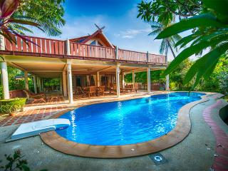 Luxurious Villa with private pool at Ban Po beach - Koh Samui vacation rentals