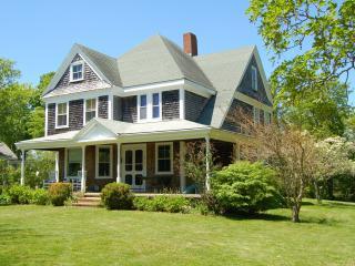 Cape Cod B&B in Historic Barnstable - Barnstable vacation rentals