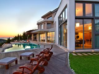 Villa TakeOff in Anavyssos - Anavyssos vacation rentals