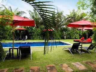 Na Jomtien 2 Bedroom Executive Duplex - Na Chom Thian vacation rentals