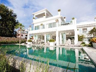Na Jomtien Beachfront Villa - Na Chom Thian vacation rentals