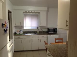Three bedroom Ranch in Livonia, Michigan - West Bloomfield vacation rentals