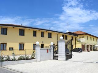 Edificio turistico costituito da 7 appartamenti - Pocenia vacation rentals