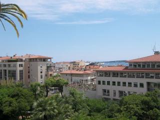 chambre quadruple - 53- - Cannes vacation rentals