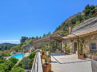 Historic Gem Les Baux de Provence with Pool & Views - Ideal for Friends Traveling Together - Saint-Remy-de-Provence vacation rentals