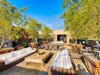 Luxuriously restored factory Artist's Retreat with Hot Tub, Terrace & Garden - Santa Monica vacation rentals