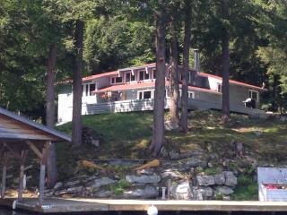 Lake Muskoka - 2600' sf Post &Beam 4 Season-Island - Muskoka Lakes vacation rentals