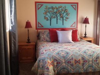 Ramblin Oak John Wayne Cottage - Monticello vacation rentals