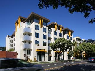 Fully Furnished Chic New 2+2 in Prime Santa Monica - Santa Monica vacation rentals