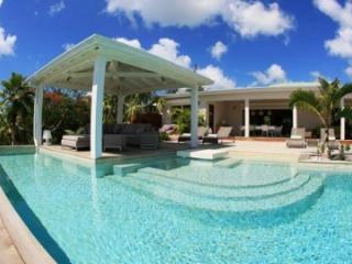Cozy 3 Bedroom Villa in Terres Basses - Terres Basses vacation rentals