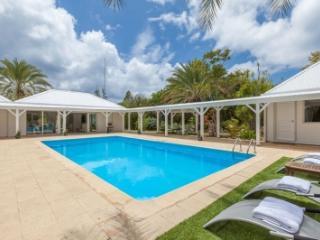 Beautiful 3 Bedroom Villa in Terres Basses - Terres Basses vacation rentals