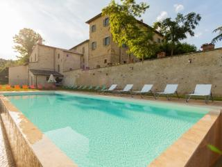 Borgo Colognola - Dimora Storica - Cenerente vacation rentals