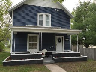 Beautiful Historical Home in the Village of Honor - Honor vacation rentals