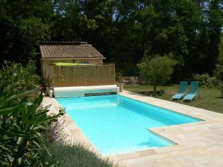 Independent Studio : private terrace, pool, horses - Saint Raphaël vacation rentals