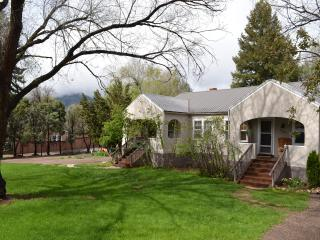 Colorado Springs,Garden of Gods,Pikes Peak,Manitou - Colorado Springs vacation rentals