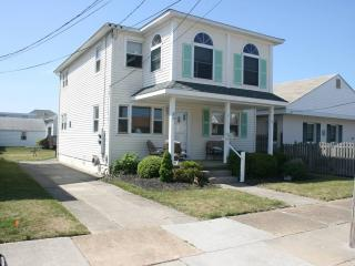 Spacious 3 Br 2nd Floor of Duplex, Central Air - Wildwood Crest vacation rentals