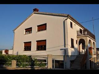 5382  A1(3+1) - Vrbnik - Vrbnik vacation rentals