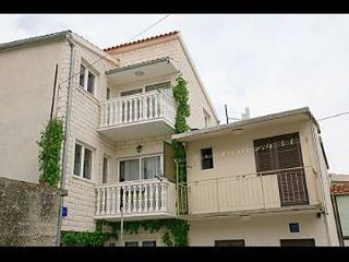 5977  A1 (5) Donji - Primosten - Primosten vacation rentals